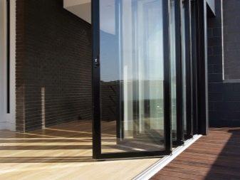 Pintu Aluminium 60 Gambar Masuk Produk Pekak Dan Dengan Kaca Dari Profil Sistem Panas Untuk Rumah Persendirian Ciri Reka Bentuk