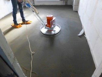 This Is How You Polish A Floor Screed