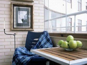 Stenen Muur Vernissen : Hoe een bakstenen muur op het balkon te schilderen foto s