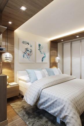 बिस्तर के ऊपर बेडरूम में क्या लटका है?