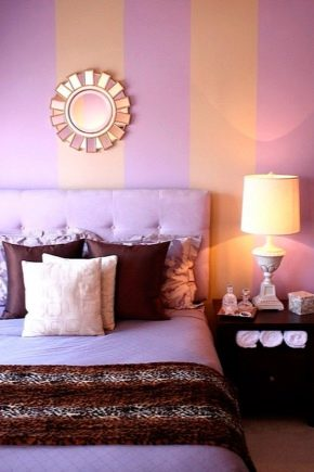Fashionable wall painting in the bedroom