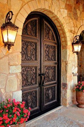 जालीदार दरवाजे की विशेषताएं