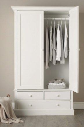 Dubbel dörr garderober