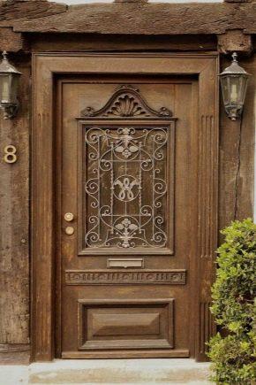 How to install wooden doors?