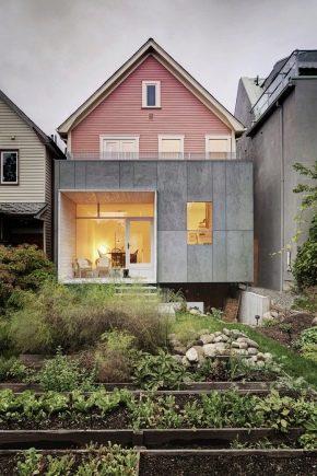 Funktioner av huset layout på storleken 9 till 9 m med vinden