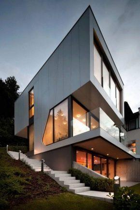 Moderna hus i sofistikerad högteknologisk stil