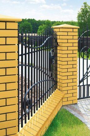 Caps sur les poteaux pour la clôture de brique