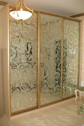 Sandblästermönster på spegeln: applikation och vård
