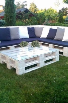 Garden furniture from pallets: what can you do with your own hands?