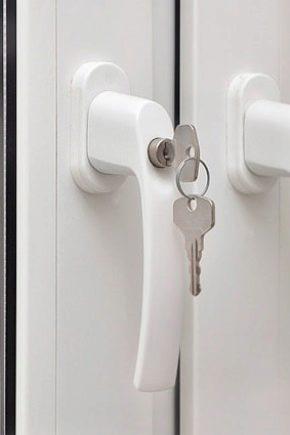 Alças com fechadura para janelas de plástico: como tornar a construção mais segura?