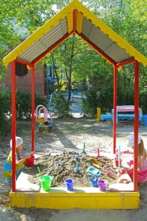 How to equip the playground with the help of available tools?