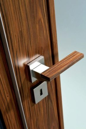 How to remove and disassemble the interior door lock?