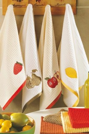 Kitchen towels - the face of the hostess