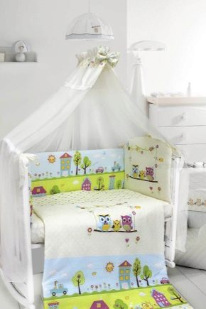 Bed linen in the crib for newborns: types of sets and selection criteria