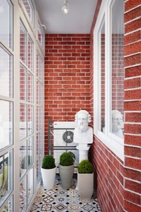 How to paint a brick wall on the balcony?