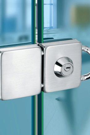 Препоръки за избор и инсталиране на брави за стъклени врати