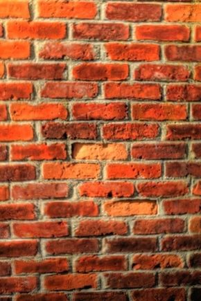 Brick wall thickness: what it depends on and how it should be?