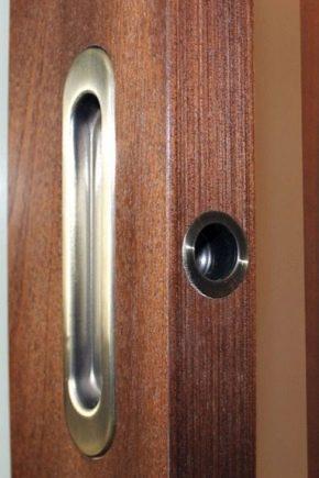 Choosing handles for sliding doors