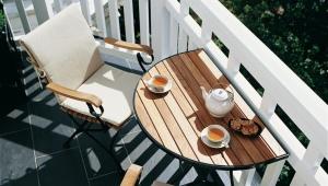 Folding table on the balcony