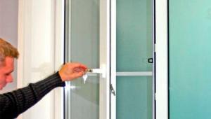 Balcony plastic door adjustment