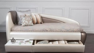 Sofas with drawers