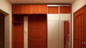 Antresoli dans le couloir: options à l'intérieur