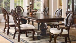 Tables en bois: avantages et inconvénients