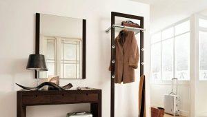 Cabides no chão: idéias para um interior moderno
