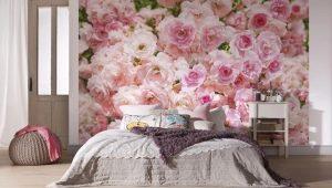 Bakgrund med rosor i inredningen