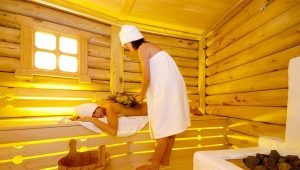 Bath on the wood: the pros and cons