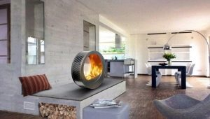 Electric fireplaces with the effect of a living flame in the interior