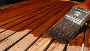 Teinture à bois: types et subtilités de choix