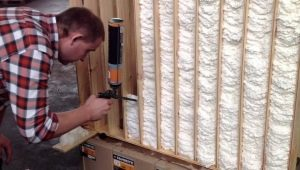 Features of the use of foam for wall insulation