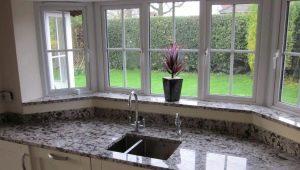 Soleiras de janela de granito: soluções elegantes para o seu interior