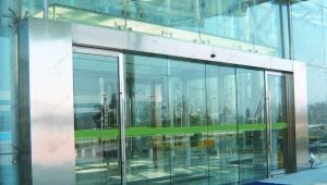 Types of glass entrance groups