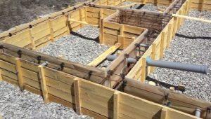 Cofraje pentru fundație: caracteristicile și caracteristicile lucrărilor de instalare