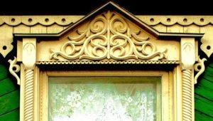Características da seleção de platibandas nas janelas da casa de madeira