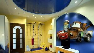 Features of the choice of stretch ceiling in the nursery for the boy