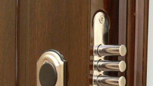 วิธีการเปิดประตูถ้าล็อคถูกขัง?