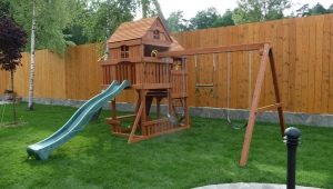 Choosing a children's play complex with a slide for giving