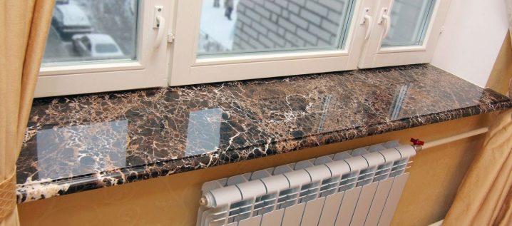 Ngưỡng cửa sổ bằng đá cẩm thạch: các tùy chọn thiết kế đẹp mắt