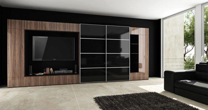 Skåp i vardagsrummet storleken på hela väggen: funktioner vid placering