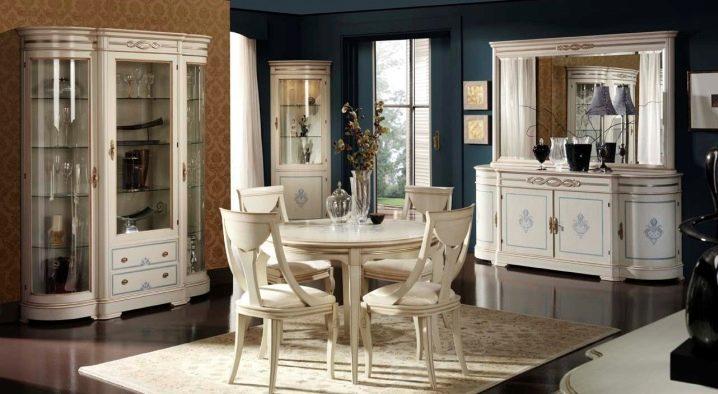 Sideboards pentru feluri de mâncare în sufragerie: soluții elegante pentru interior