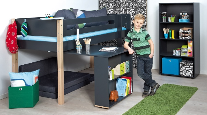 Loft bed (116 photos): with a working and play area downstairs, a bunk with a table, low with a slide, sizes and reviews of parents