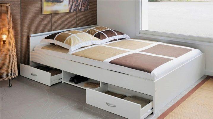 Funktioner av valet av en säng-byrå