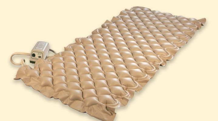 Anti-decubitus honeycomb mattress