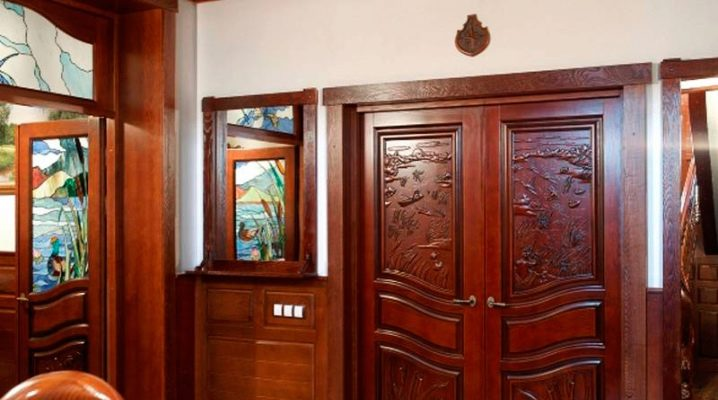 How to choose carved doors?
