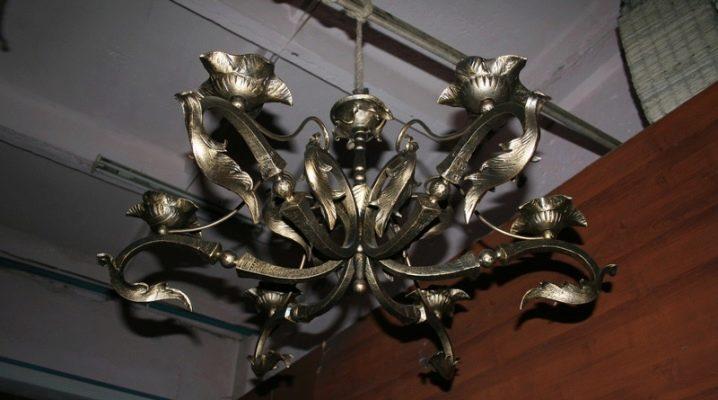 Лампи от ковано желязо