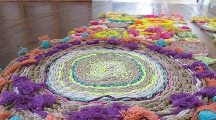 Knitting yarn carpets in modern interior