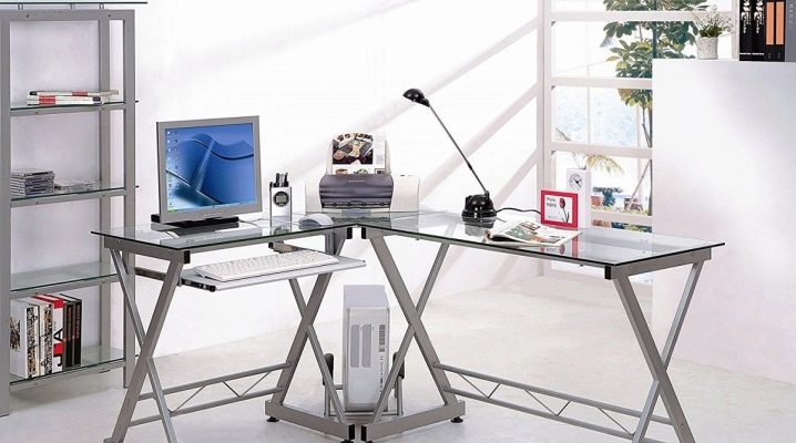 What should be the corner glass computer table?
